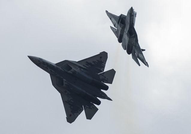 Dos Su-57