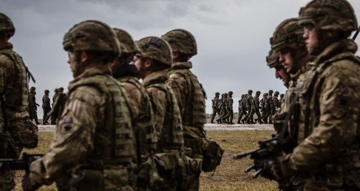 Las tropas polacas y estadounidenses en una ceremonia de la OTAN en Polonia (archivo)