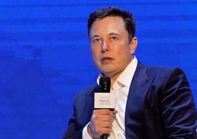 Elon Musk, CEO de Tesla, asiste a la Conferencia Mundial de Inteligencia Artificial en Shanghái