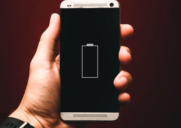 Un teléfono inteligente sin batería (imagen referencial)