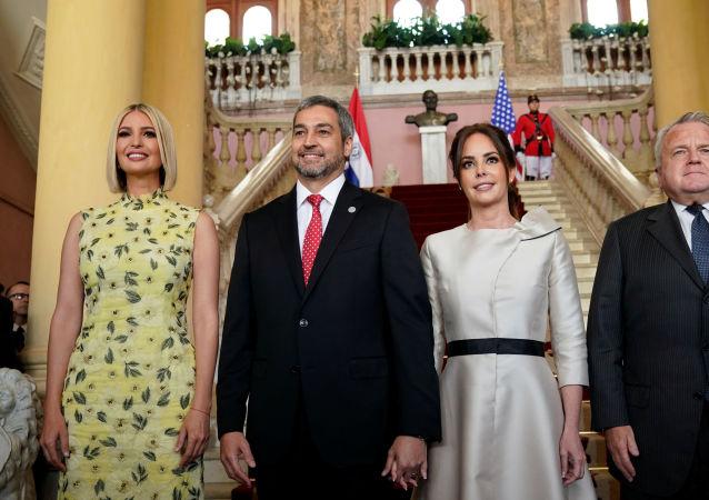 La asesora e hija del presidente EEUU, Ivanka Trump, y el presidente de Paraguay, Mario Abdo Benítez, primera dama de la nación, Silvana Abdo, el vicesecretario de Estado de EEUU, John J. Sullivan