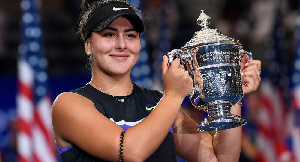 La joven tenista canadiense Bianca Andreescu logra superar en dos sets a Serena Williams en la final de un Grand Slam.