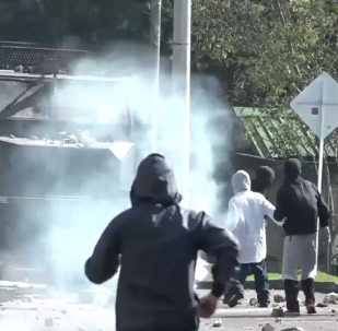 Los estudiantes se enfrentan a la Policía en Bogotá
