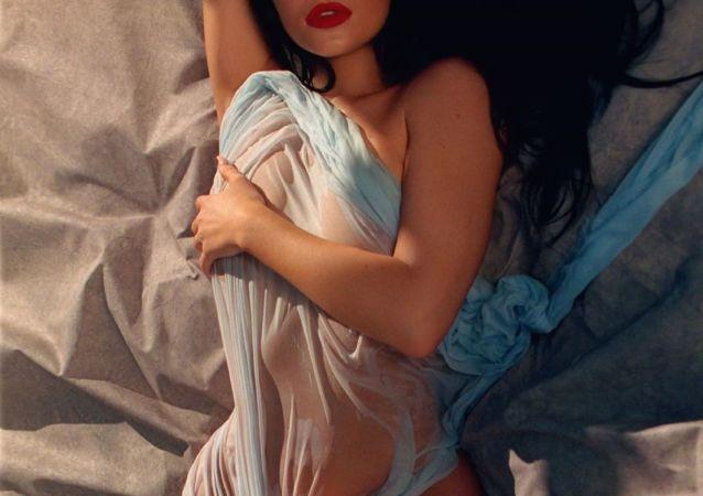 Kylie Jenner participa en una sesión fotográfica para Playboy