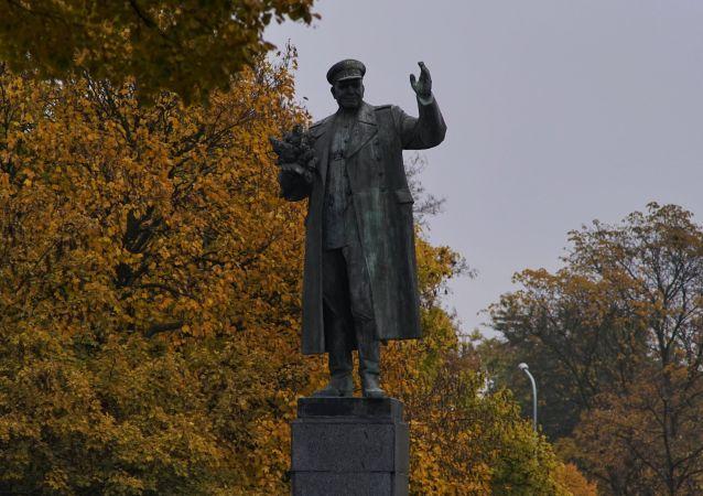 Estatua del mariscal soviético Iván Kónev en Praga