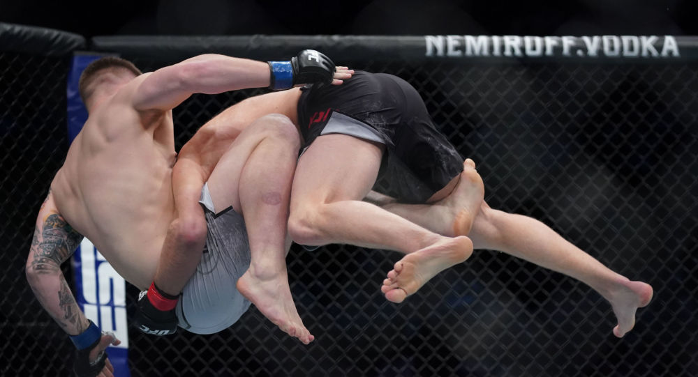 La pelea de Misha Cirkunov con Jimmy Crute en Vancouver