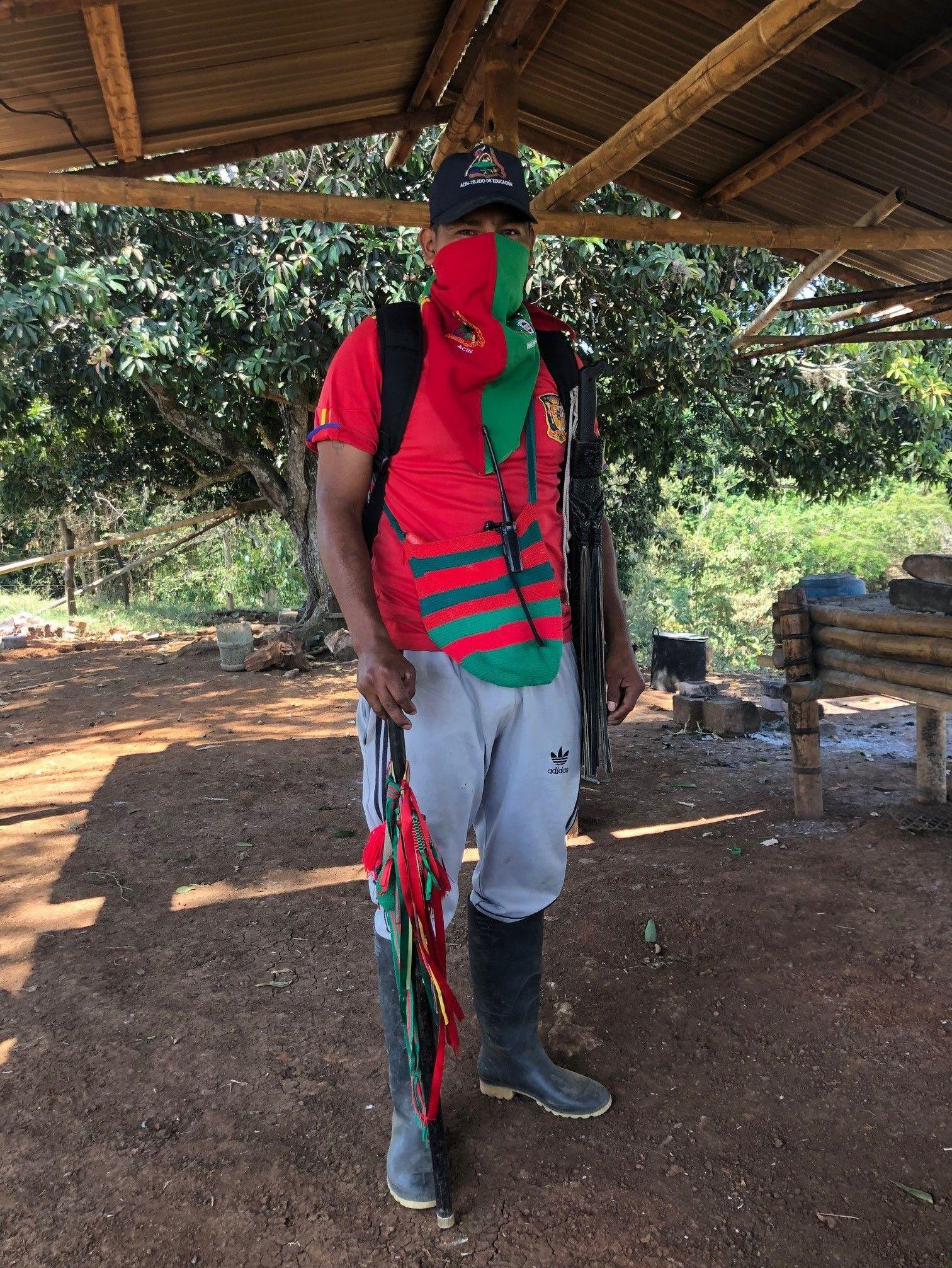 Kiwe Tjexnas, un 'Guardia Indígena' en idioma naza