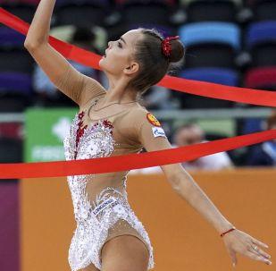 Dina Averina, gimnasta rusa