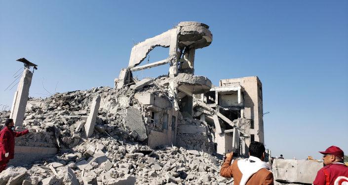Consecuencias de un bombardeo en Yemen