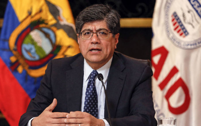 Canciller de Ecuador denuncia a Correa, Maduro y narcotráfico de actos desestabilizadores