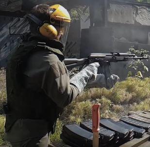 ¿Cuántos disparos hacen falta para fundir un fusil Kalashnikov?