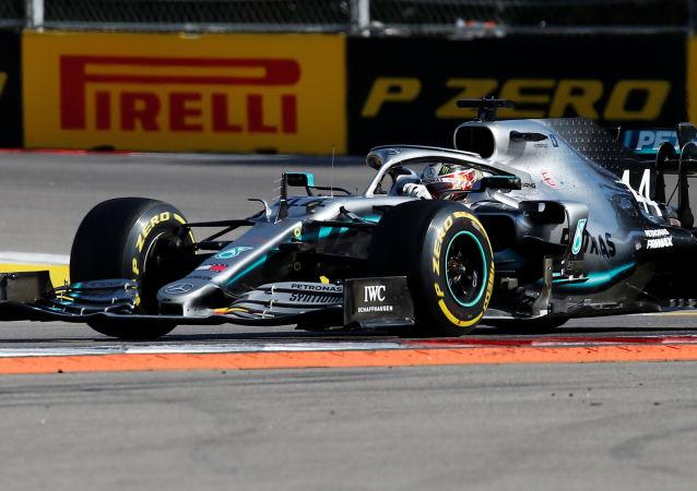 El Mercedes de Lewis Hamilton durante el GP de Sochi