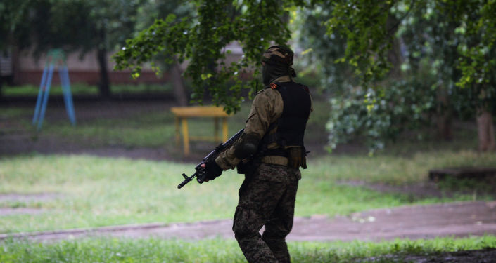 Un combatiente de de las Fuerzas de Seguridad de la República Popular de Donetsk
