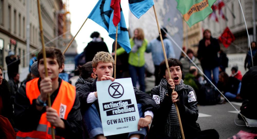 Protestas de Extinction Rebellion en Londres dejan más de 300 detenidos