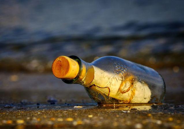Una mensaje en la botella, referencial