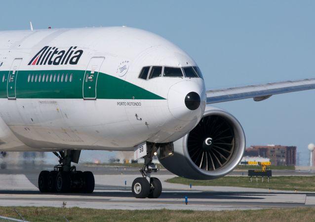Un avión de la aerolínea bandera de Italia, Alitalia