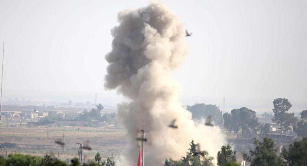 Bombardeo de Turquía cerca de la ciudad siria de Ras Ayn