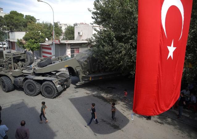 La técnica militar turca en la frontera con Siria