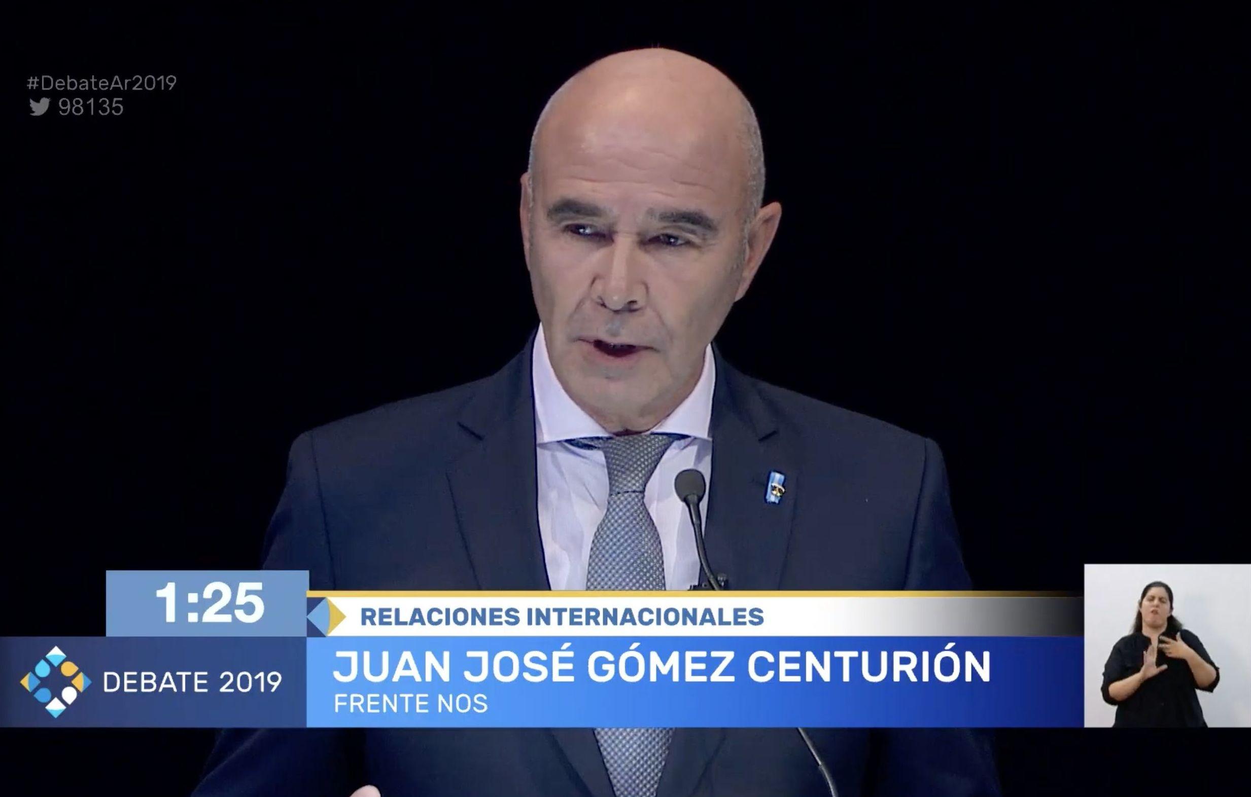 Juan José Gómez Centurión, candidato por Frente Nos, durante el debate