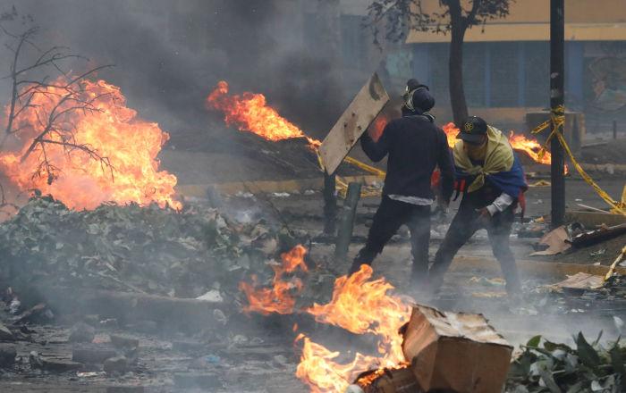 Aumentan a ocho los muertos durante protestas en Ecuador
