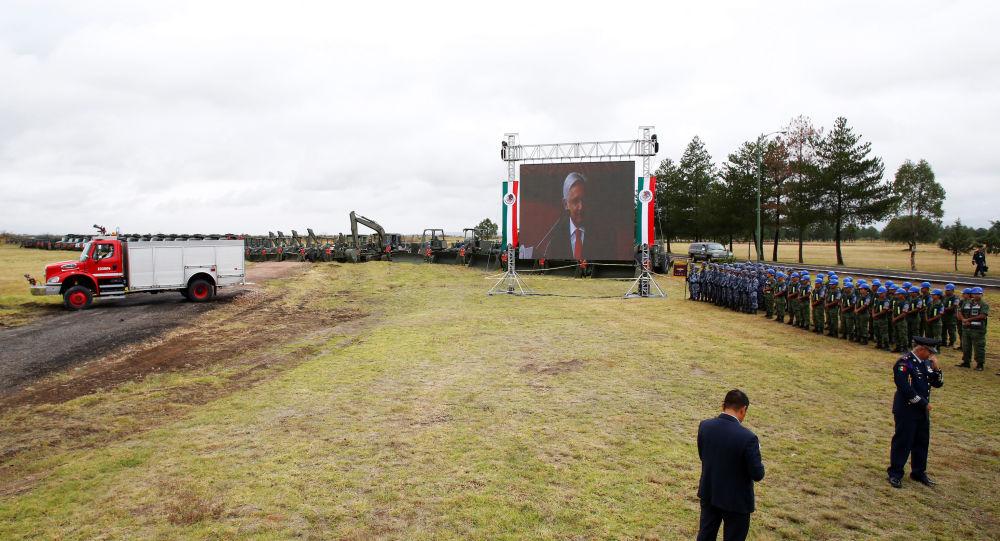 Militares mexicanos en el lugar de construcción del nuevo aeropuerto en México