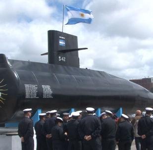 Una réplica del submarino argentino ARA San Juan en homenaje a sus víctimas