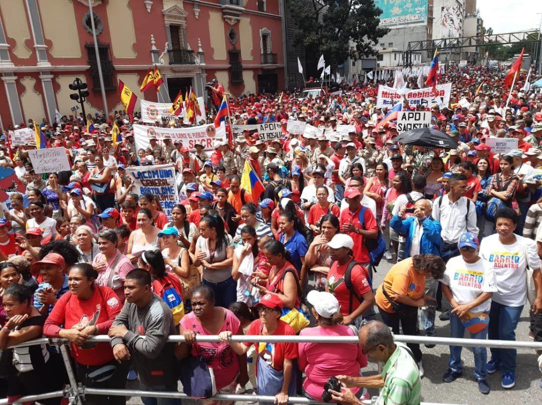 Marcha en apoyo al primer congreso internacional de Comunas
