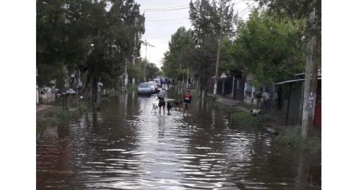 Calles inundadas en un barrio de La Matanza