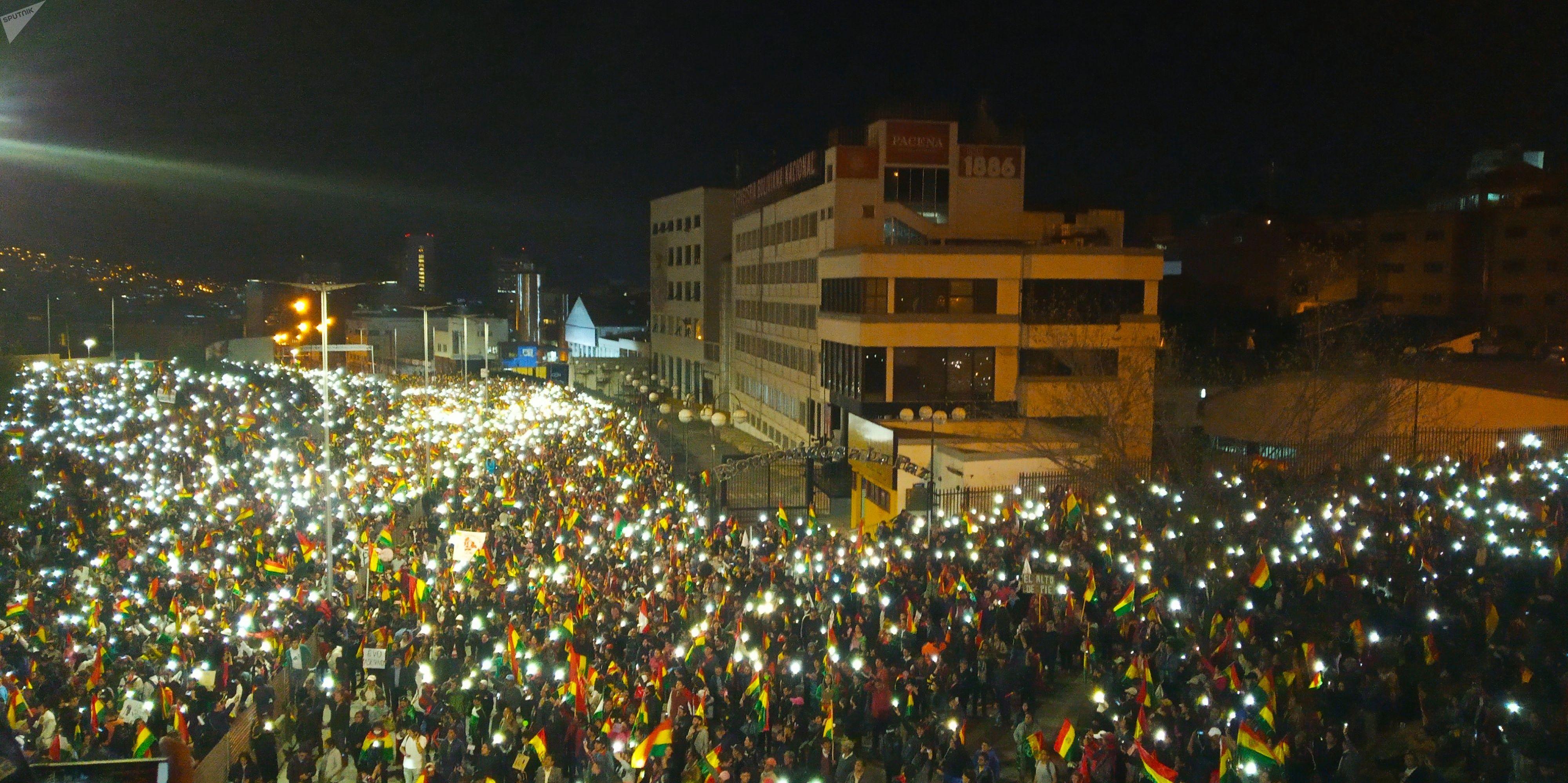 Movilización de la oposición boliviana intentando ingresar a Plaza Murillo