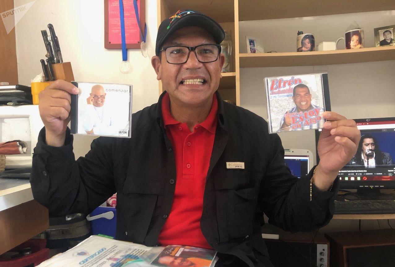 Efrén siempre vivió de la música en Venezuela