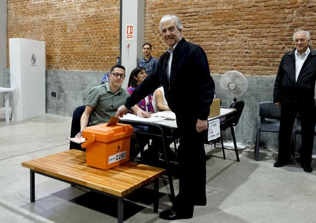 Presidente de Uruguay, Tabaré Vázquez, vota en las elecciones