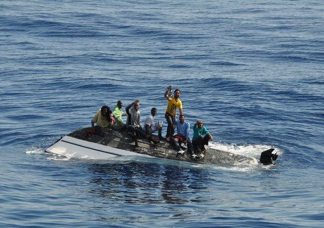 Inmigrantes ilegales en el Mediterráneo (Archivo)