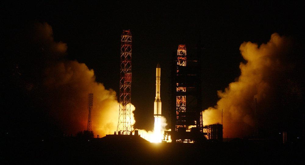 Despega desde Baikonur un Protón ruso con satélite turco Turksat-4В