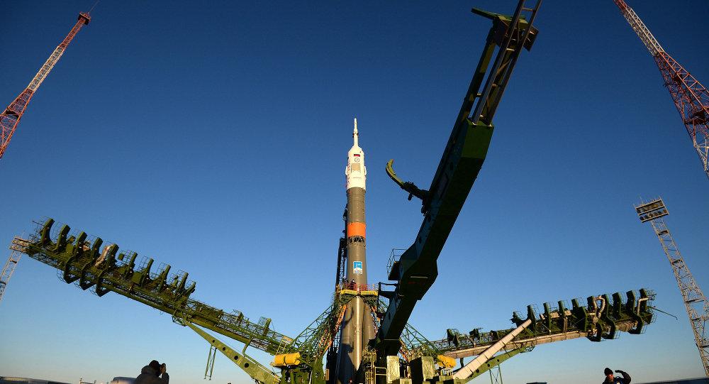 Вывоз космического корабля Союз ТМА-15М на старт