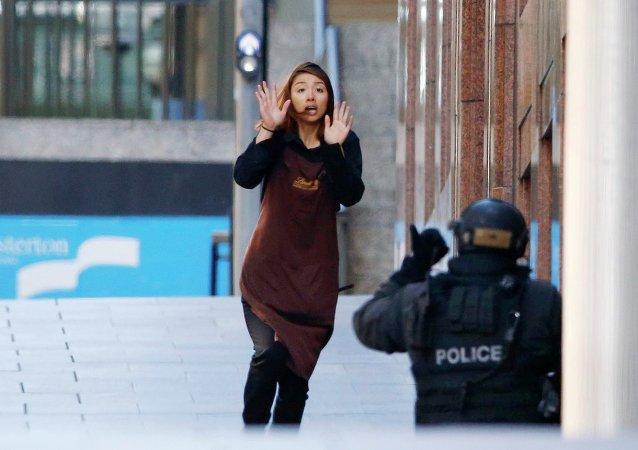 Заложница, сбежавшая из кафе, Сидней