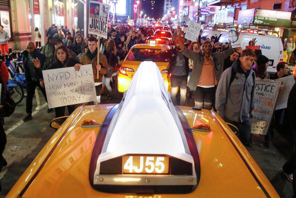 Протест на площади Таймс-Сквер в Нью-Йорке