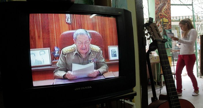 A television shows Cuba's President Raul Castro speaking during a television broadcast in Havana December 17, 2014