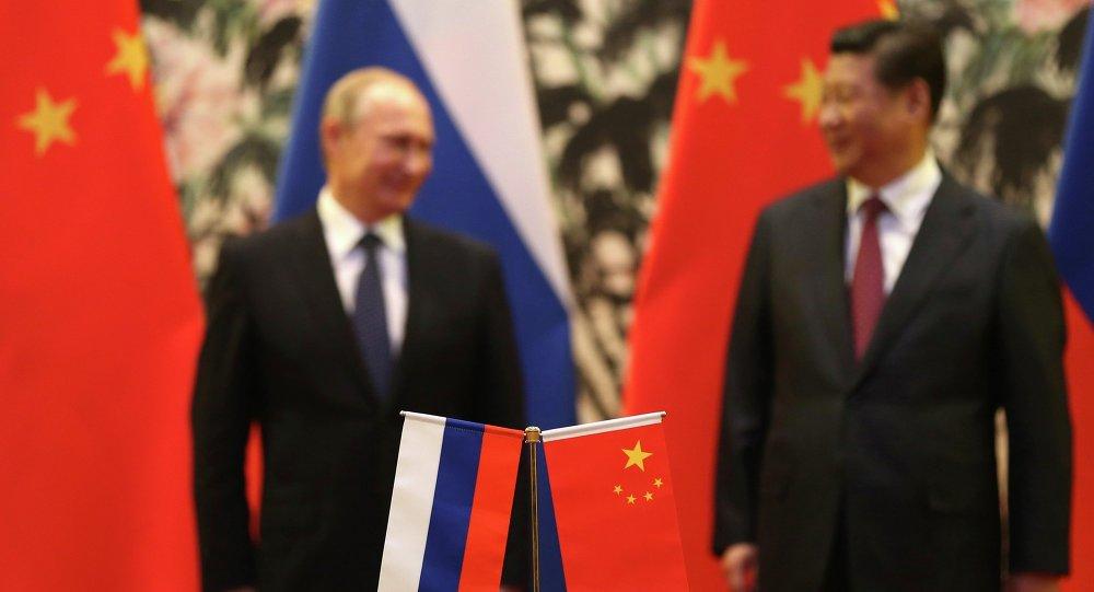 Presidente de Rusia, Vladímir Putin, y presidente de China, Xi Jinping (archivo)