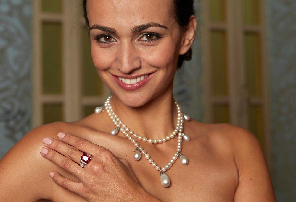 Жемчужное ожерелье, принадлежавшее королеве Швеции Жозефине Лейхтенбергской, продано на аукционе Sotheby's