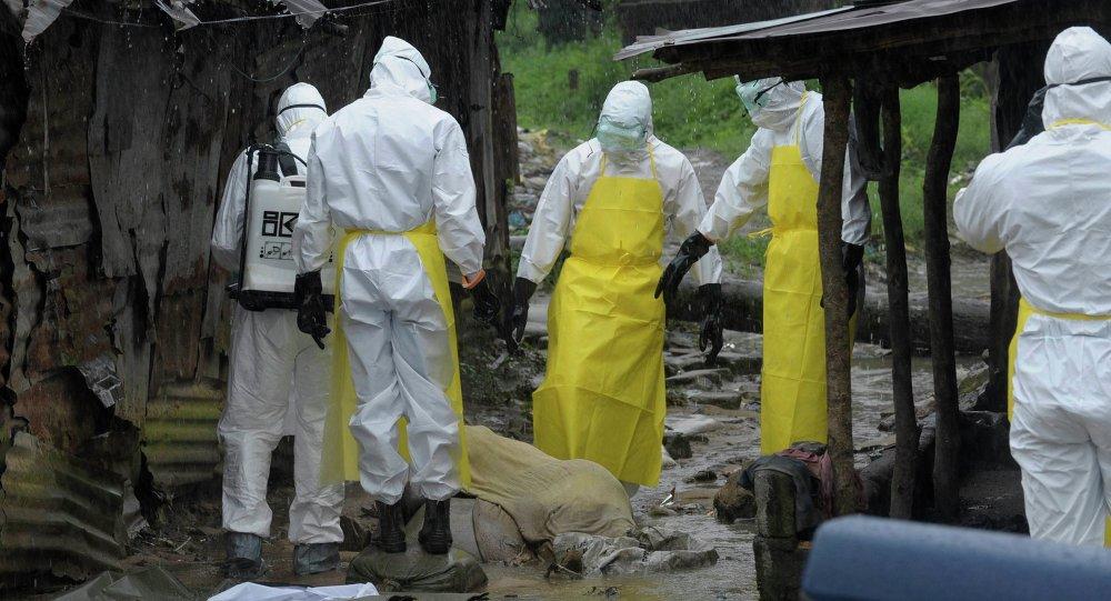 Médicos que luchan contra ébola