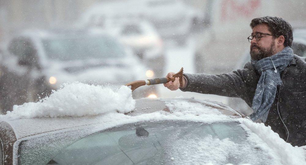 Una gran nevada paraliza Moscú