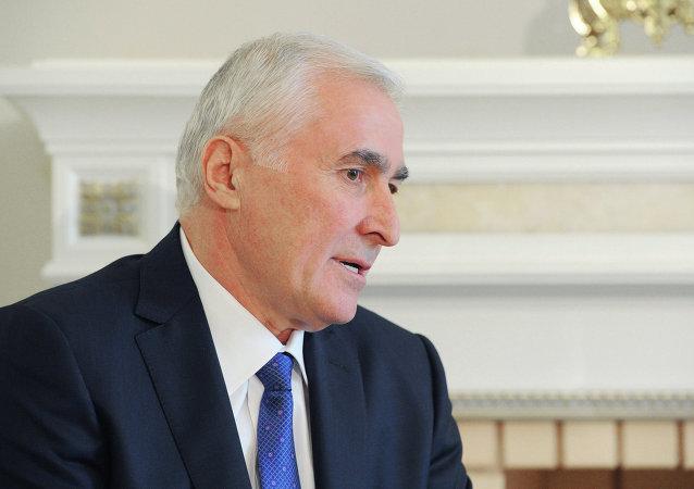 Leoníd Tibílov, presidente de Osetia del Sur (archivo)