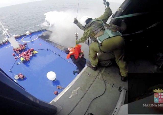 Evacuación de los pasajeros del ferry Norman Atlantic