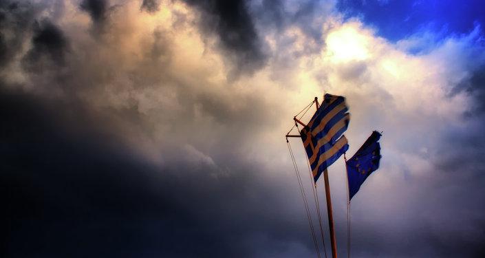 Banderas de UE y Grecia