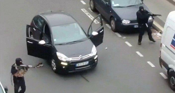 Ataque contra el semanario satírico Charlie Hebdo en París (Archivo)