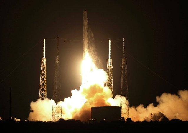 La nave estadounidense Dragon parte hacia la Estación Espacial Internacional