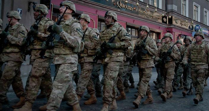 Soldados de la Otan en Riga