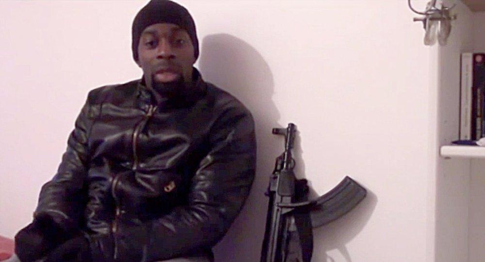 El yihadista Amédy Coulibaly, que la semana pasado mató en Paris a una agente de la policía y a cuatro rehenes judíos en un supermercado de la Paris