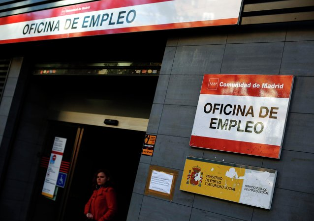 Casi cuatro millones de parados españoles no cobran ninguna prestación