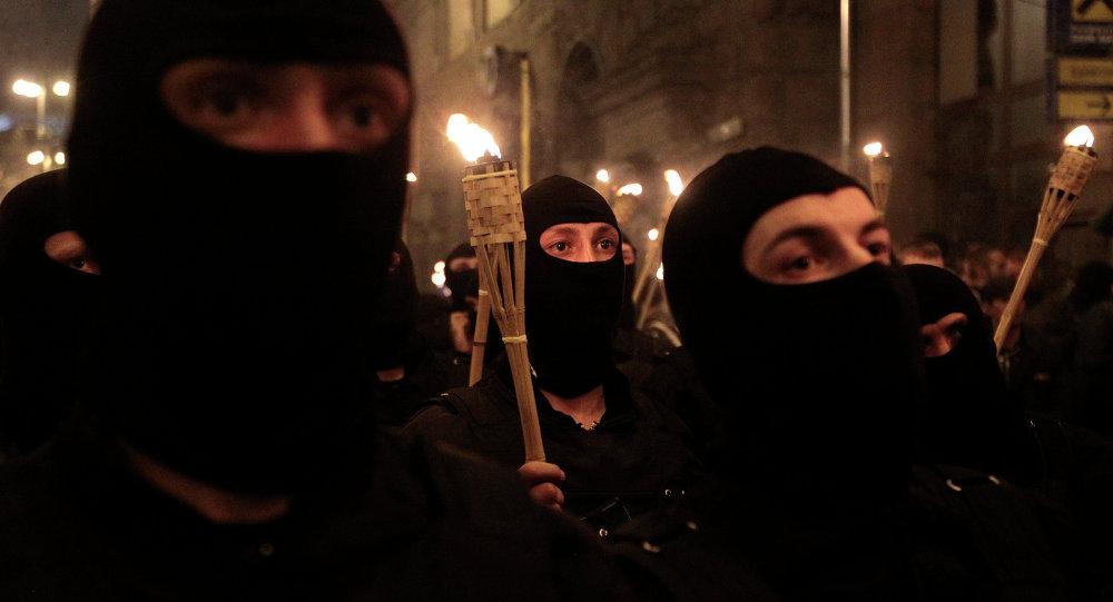 Azov, Donbás, Pravy Sektor: los símbolos de las SS renacen en Ucrania
